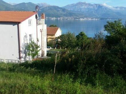 Grundschtück Montenegro am Meer ( Herceg Novi -Bijela)